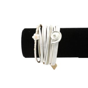 دستبند زنانه کد 02 - خرید اینترنتی دسبند رشته ای چرم دست ساز ، شیک خترانه سفید رنگ