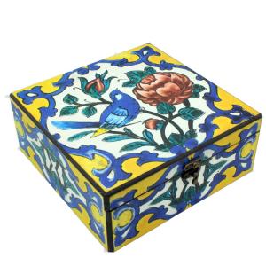 پیشنهاد ، ایده ، قیمت و خرید اینترنتی پک ( باکس ) هدیه ( کادو ) بسته ست پذیرایی کادویی دمنوش گیاهی آرام بخش 12 تایی فله با جعبه چوبی رنگی طرح مرغ آمین